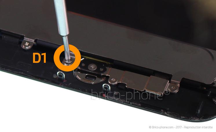 Etape 10 : Retirer la plaquette de protection du bouton Home