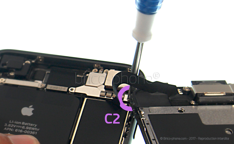 Etape 10 : Retirer la plaquette de protection des nappes des caméras