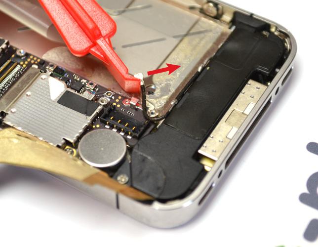 Etape 3f : Déconnecter les nappes USB et GSM