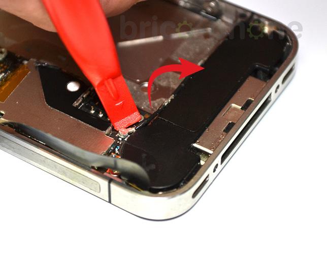 Etape 3d : Déconnecter les nappes Dock/USB et GSM