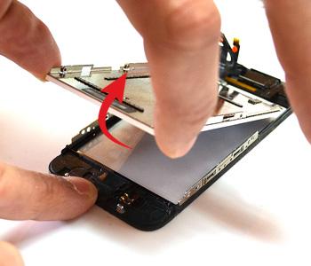 ETAPE 8d : Retirer l'écran LCD du chassis