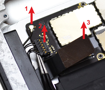 ETAPE 11b : Retirer les connecteurs en bas de la carte mère