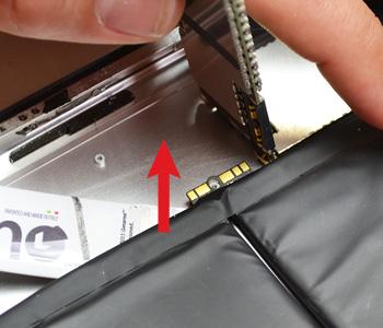 ETAPE 12e : Décoller la batterie