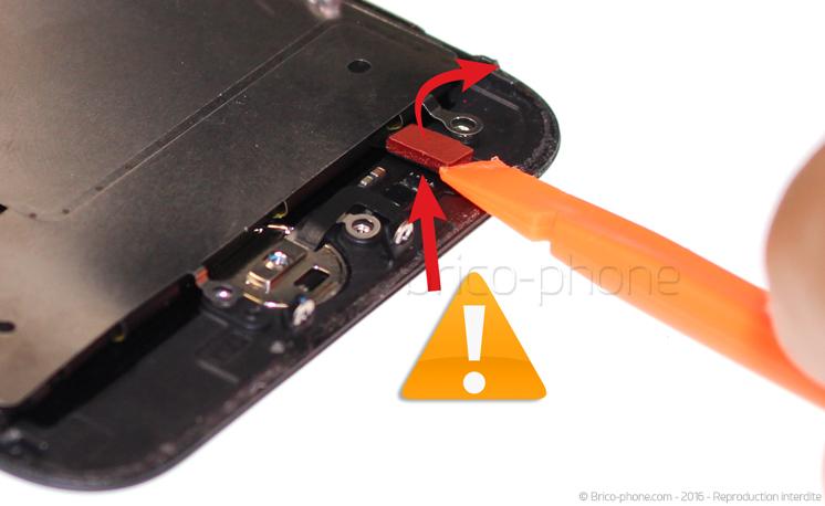 Etape 11 : Déconnecter le bouton Home
