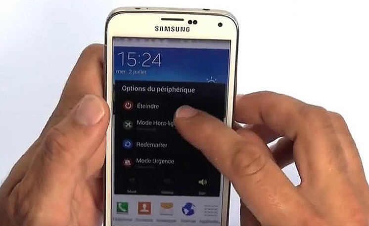 Eteignez votre Samsung Galaxy S5 Mini.