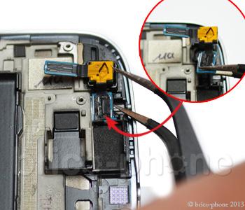 ETAPE 7 : Retirer la caméra avant
