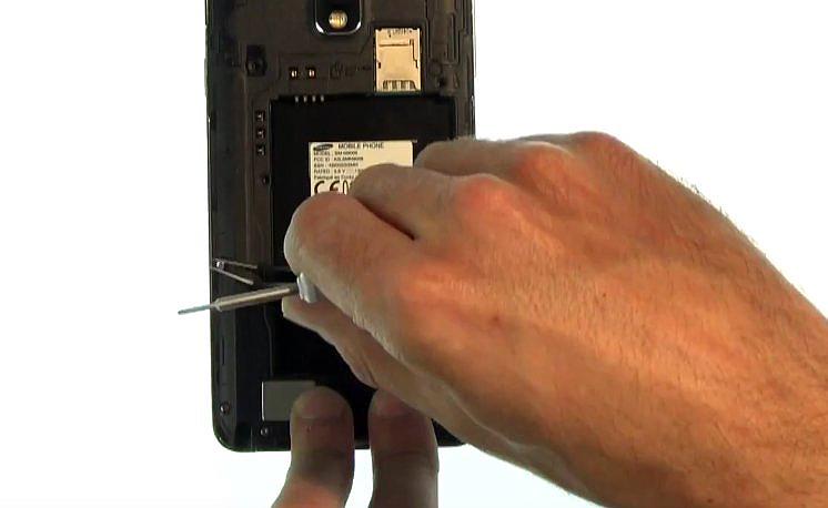 Etape 7 :Libérer les composants de la carte-mère (BIS)