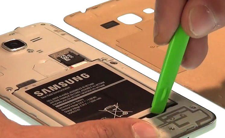 Etape 1-B : Ouvrez le Samsung Grand Prime