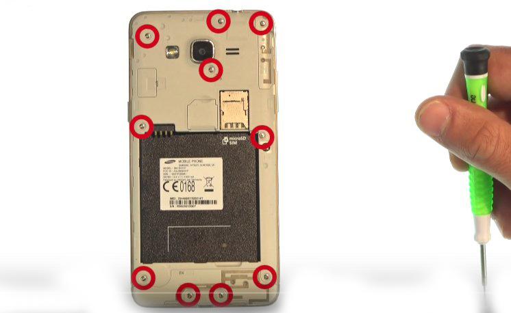 Etape 1-D : Ouvrez le Samsung Grand Prime