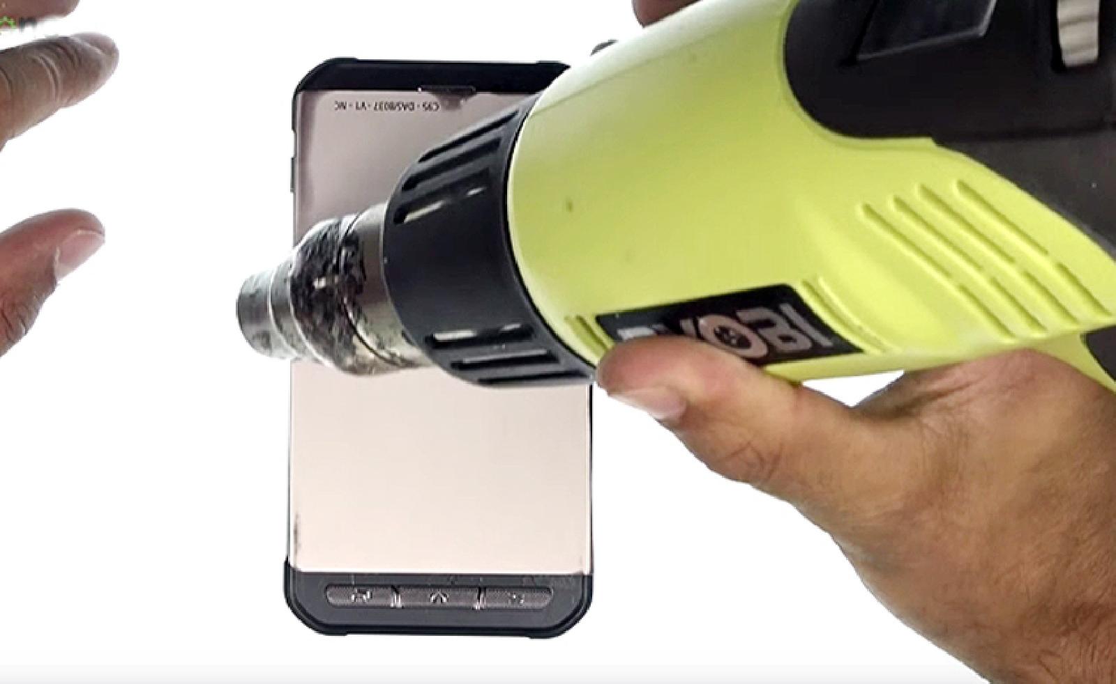Etape 5 : Chauffer les contours de l'écran