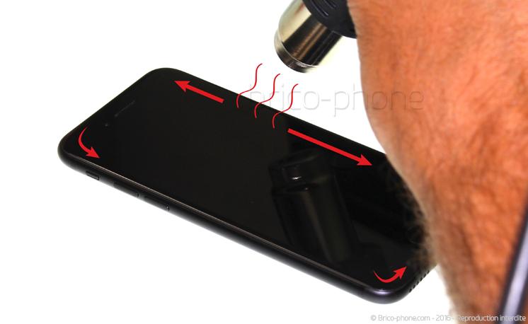 Etape 3 : Déclipser l'écran à l'aide d'une ventouse (Première méthode)