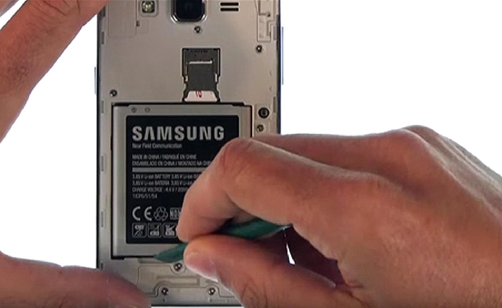 Etape 3 : Retirer la batterie