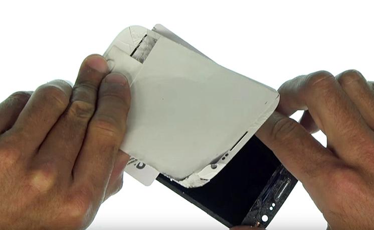Etape 3k : Décoller la vitre tactile