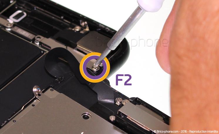 Etape 7 : Retirer la plaquette de protection des nappes des caméras