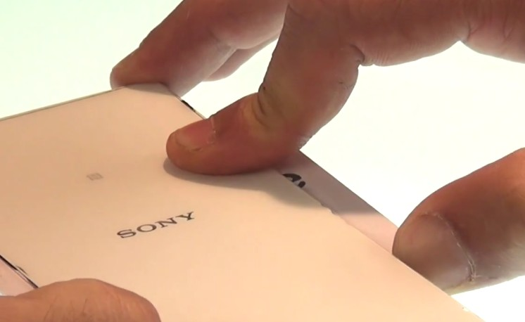 Etape 1/6 : Ouvrez le sony Xperia Z2