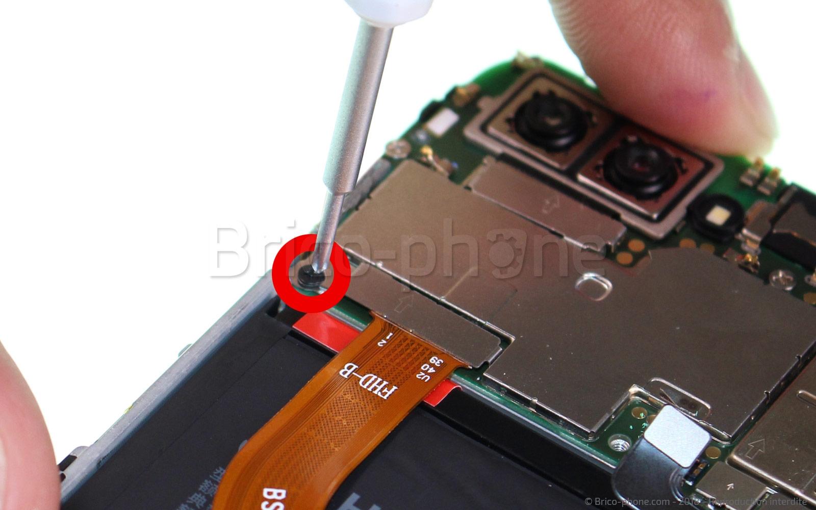 Etape 4 : Déconnecter la nappe de l'écran