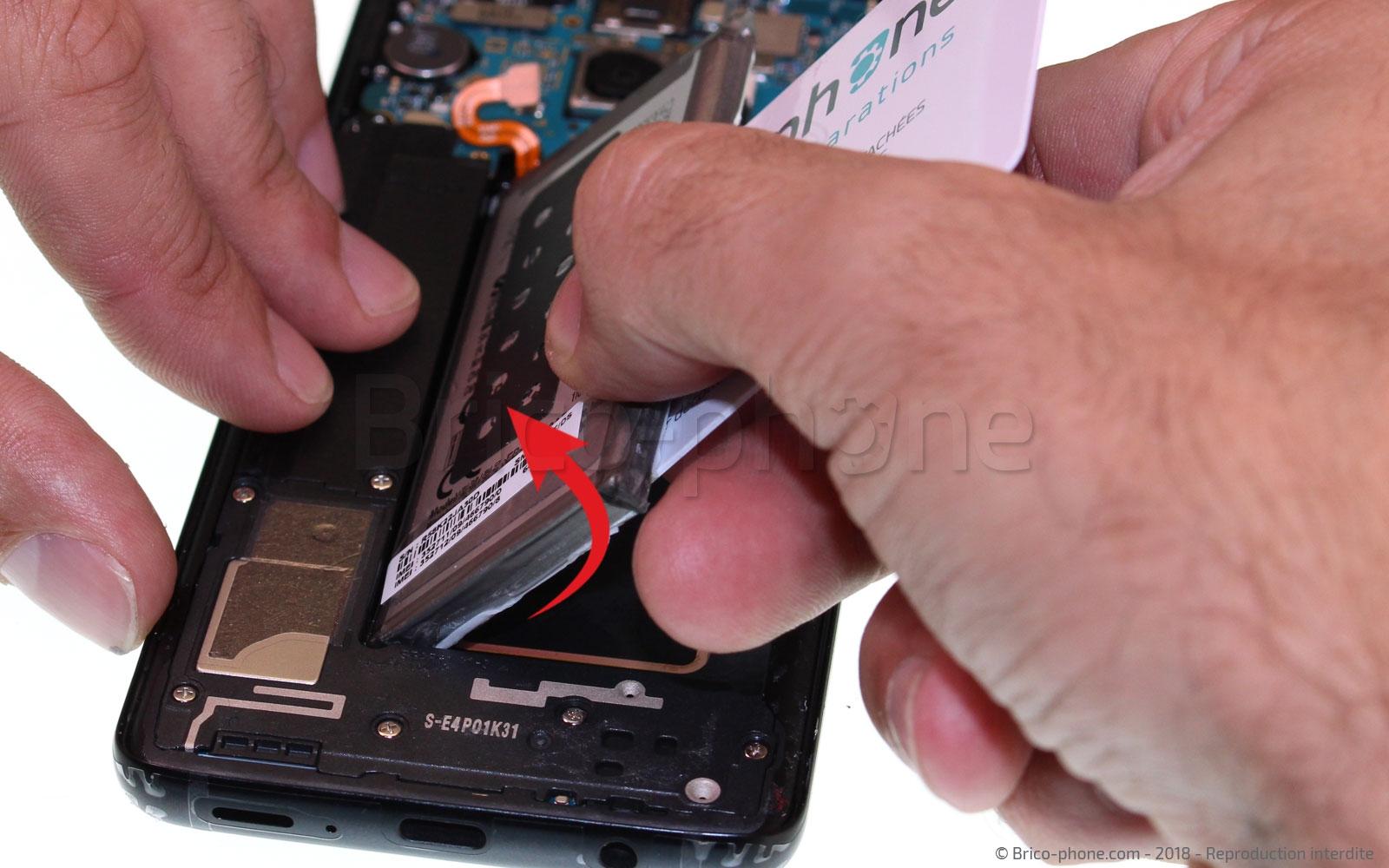 Etape 9 : Retirer la batterie