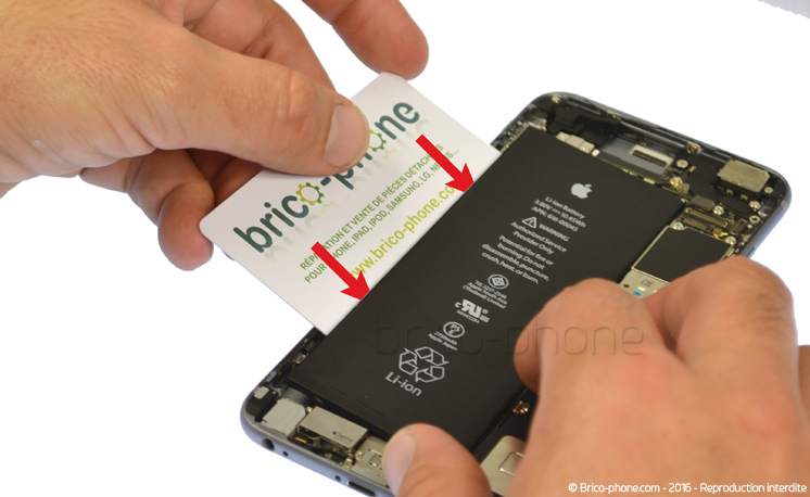 Etape 3a : Retirer la batterie