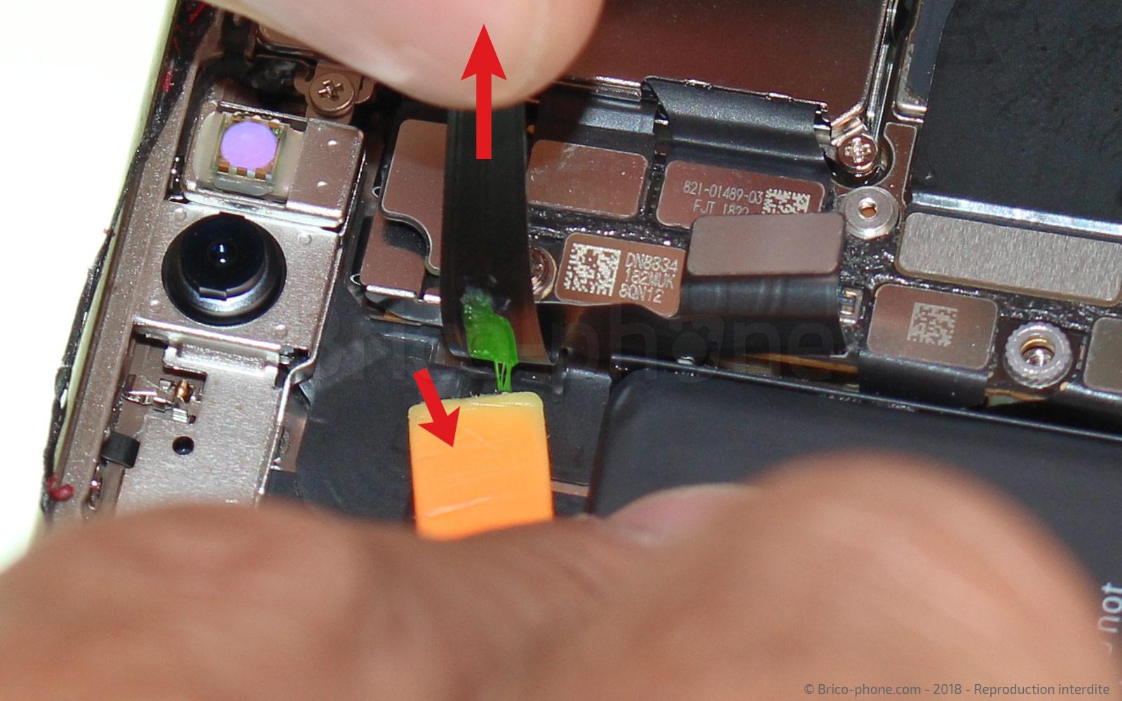 Etape 11 : Retirer le bloc écran
