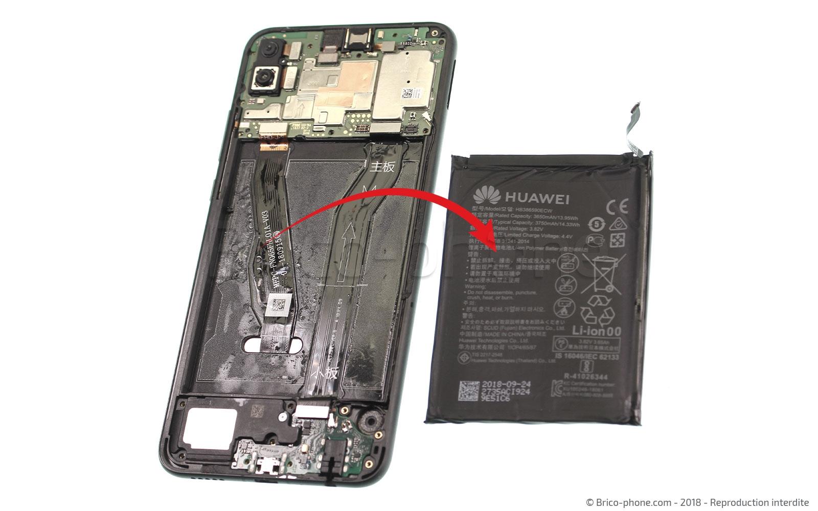 Etape 8 : Décoller et retirer la batterie