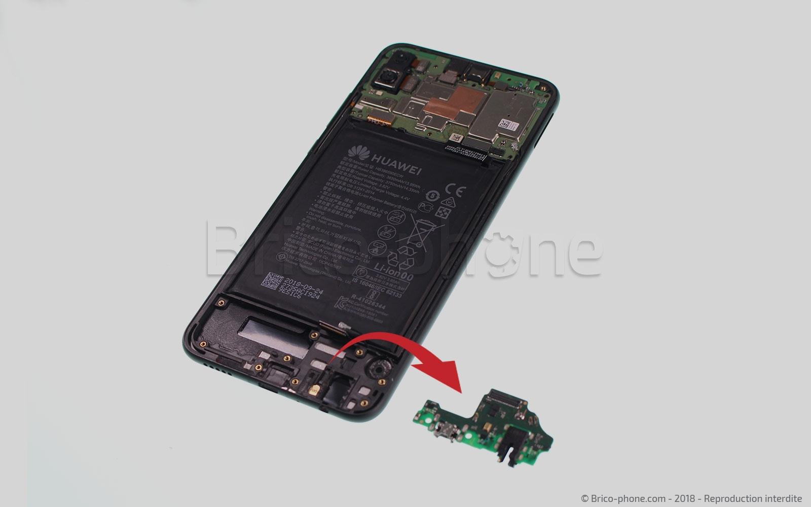Etape 10 : Retirer le connecteur micro-usb