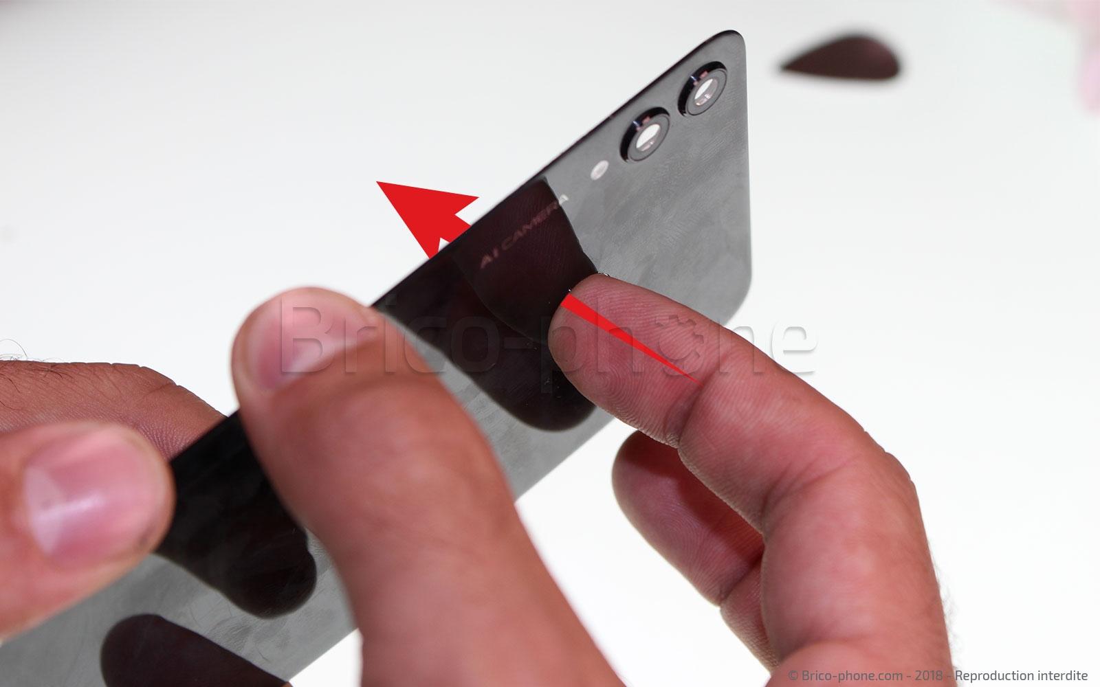 Etape 20 : Démonter le lecteur d'empreintes digitales