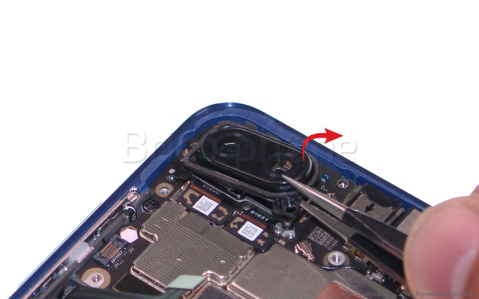 Etape 8 : Retirer la lentille de l'appareil photo