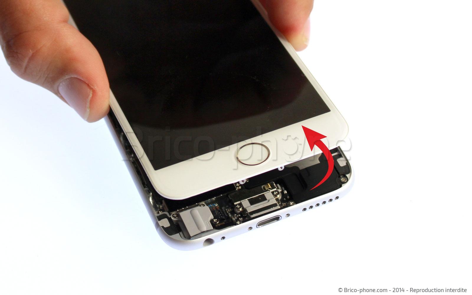 Etape 5 : Retirer le bloc vitre et écran LCD