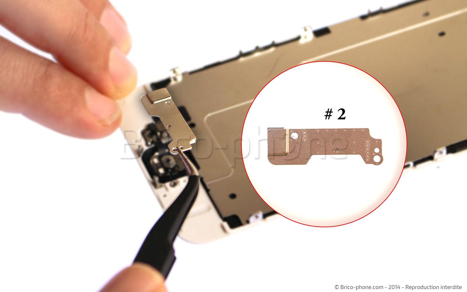 Etape 8 : Retirer la plaquette #7 qui maintient le bouton