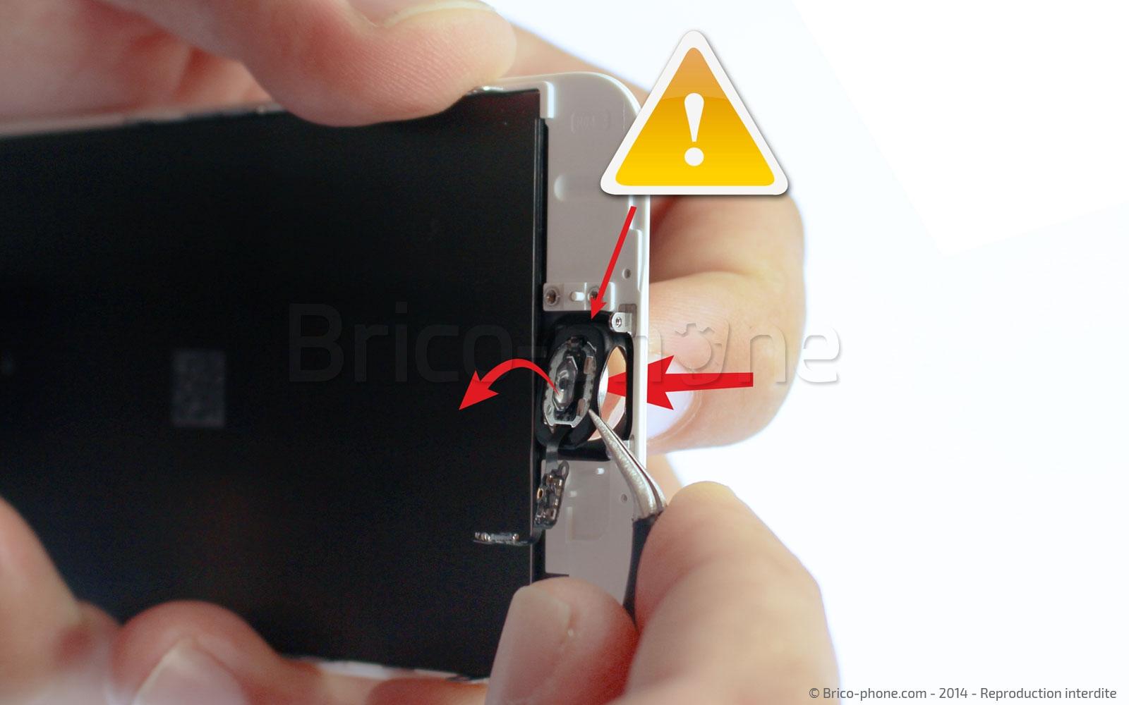 Etape 10 : Retirer la nappe du bouton Home