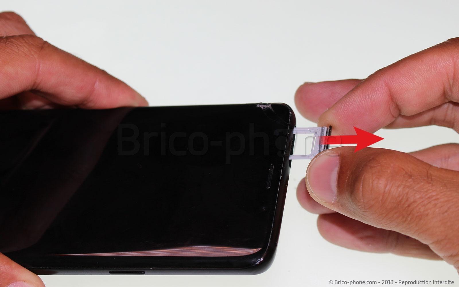 Etape 1 : Mettre hors tension et retirer le rack SIM