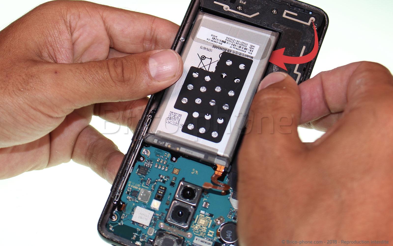 Etape 7 : Retirer la batterie
