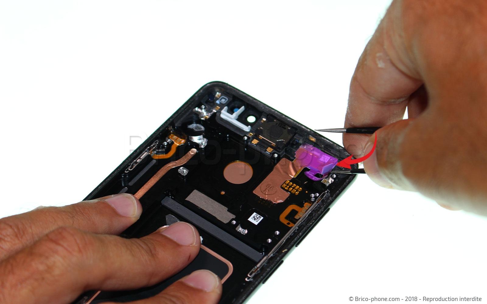 Etape 19 : Retirer le capteur infrarouge