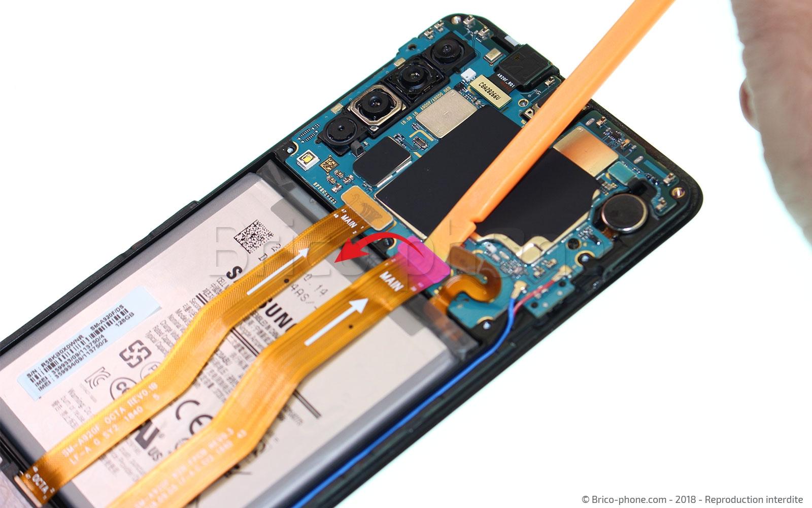 Etape 9 : Déconnecter et libérer la batterie