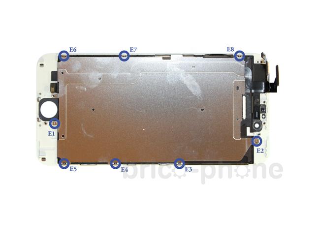 Etape 6c : Retirer la plaquette métallique du LCD