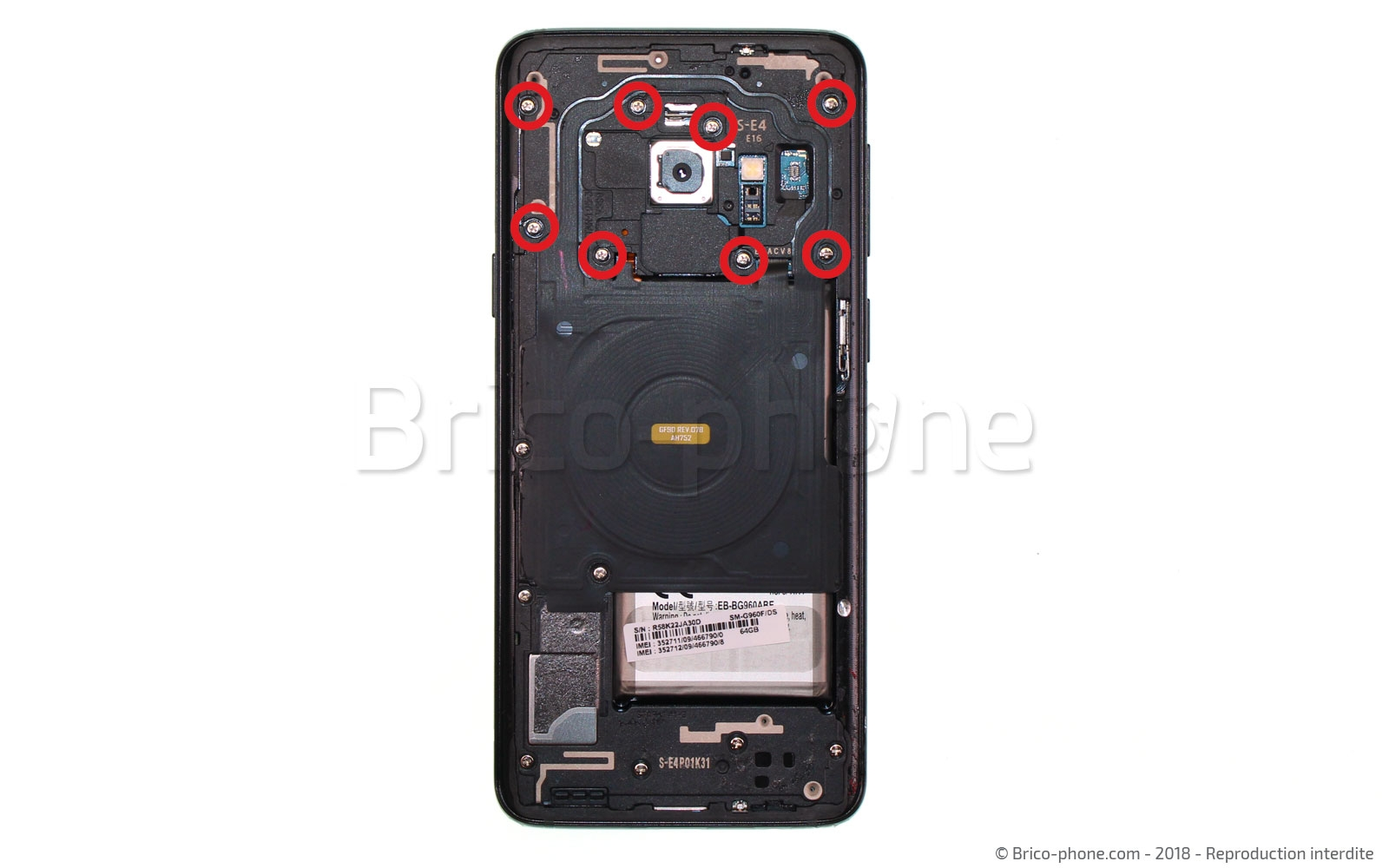 Etape 4 : Retirer la nappe NFC et son support