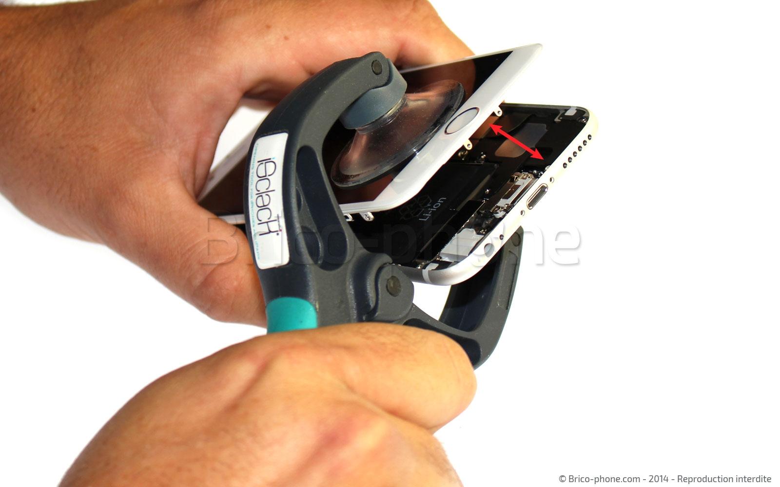 Etape 4 : Déclipser la vitre du châssis avec l'iSclack