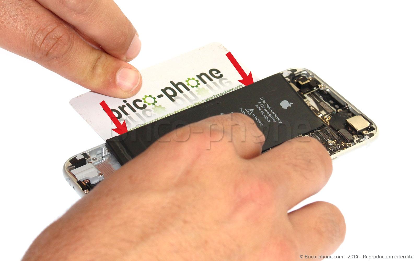 Etape 11 : Retirer la batterie