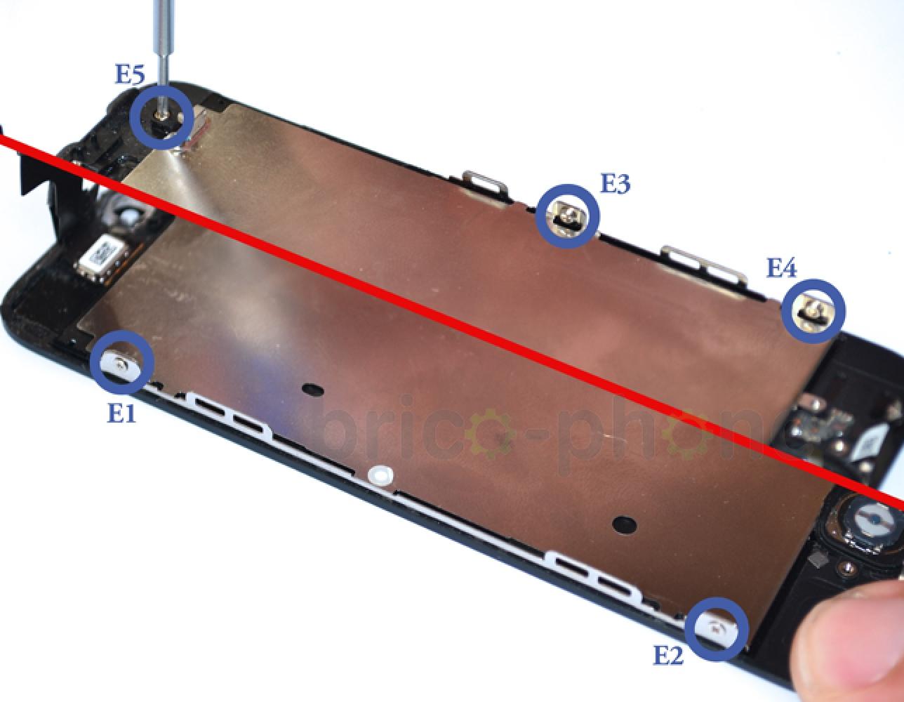 Etape 11 : Changer la plaquette métallique du LCD