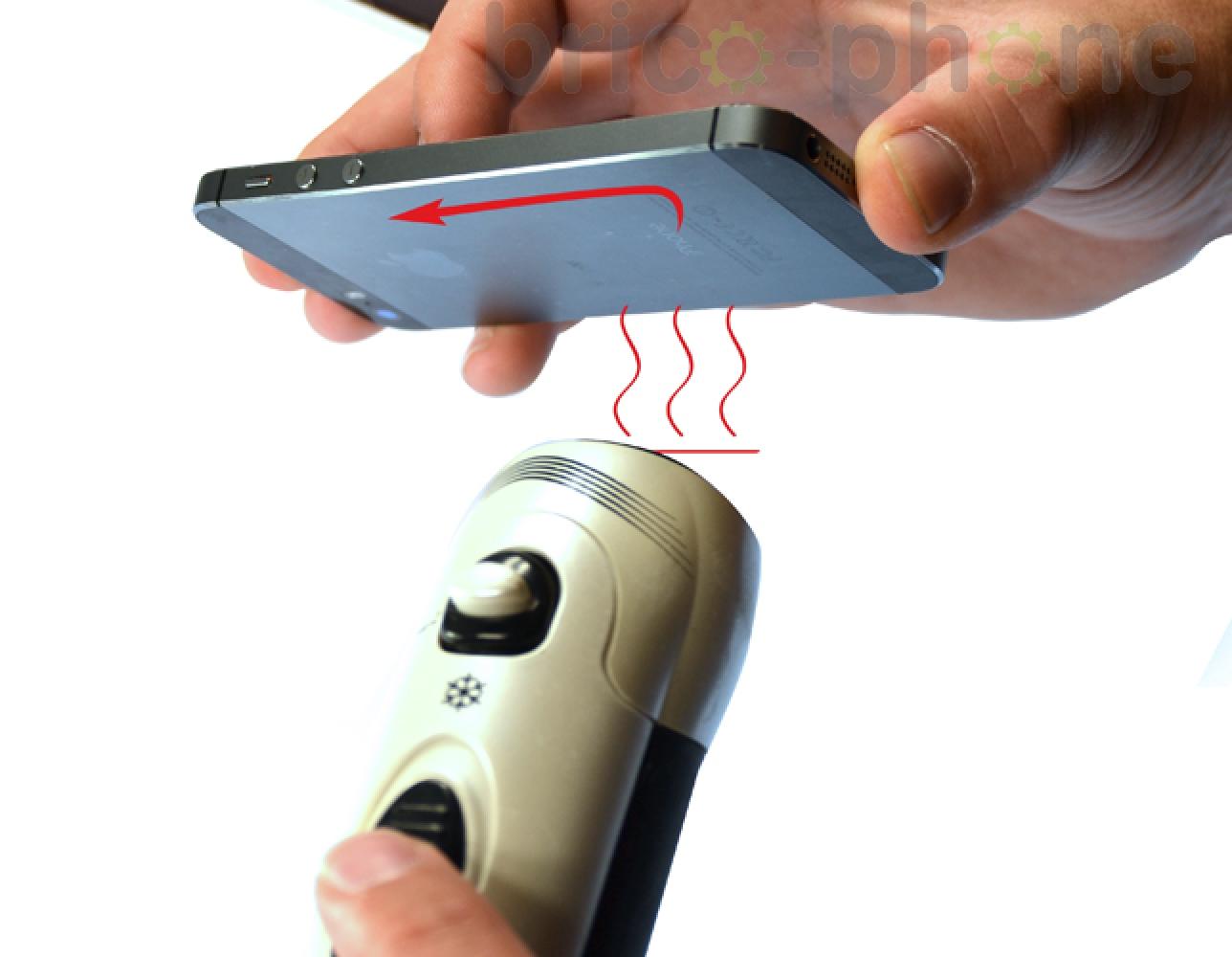 Etape 9 : Déconnecter et retirer la batterie